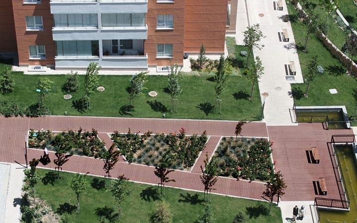 Nevbahar Botanik Bahçe Yer Döşemesi